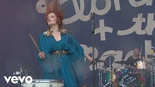 Клип Florence & The Machine - Kiss With A Fist (live)