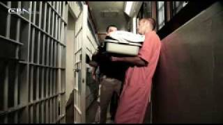 WOW: INSTANT FREEDOM FROM DRUGS!!!! Drug dealer has visitor in prison: Jesus Christ!!!!