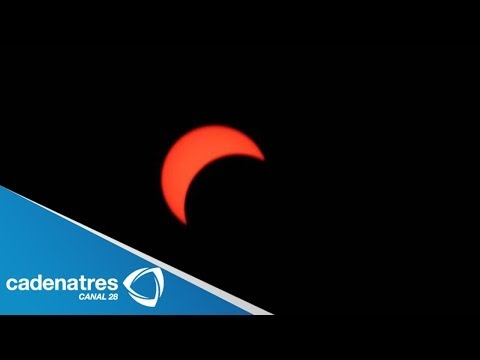 Impresionantes imágenes del eclipse solar en Kenia / Stunning images of the solar eclipse in Kenya