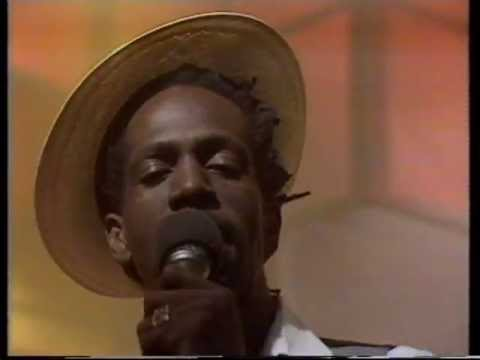 Gregory Isaacs ~ Night Nurse (Official Reggae Video)