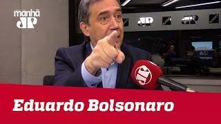 Eduardo Bolsonaro está ao lado de PM preso em caso Marielle | Marco Antonio Villa