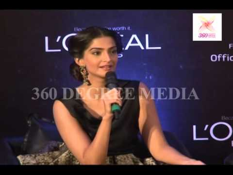 Sonam Kapoor Says That She Has Taken Tips To Aunty sridevi For Her Movie english-vinglish video