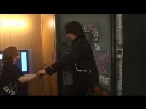 What Michael Angelo Batio thinks of guitar hero......