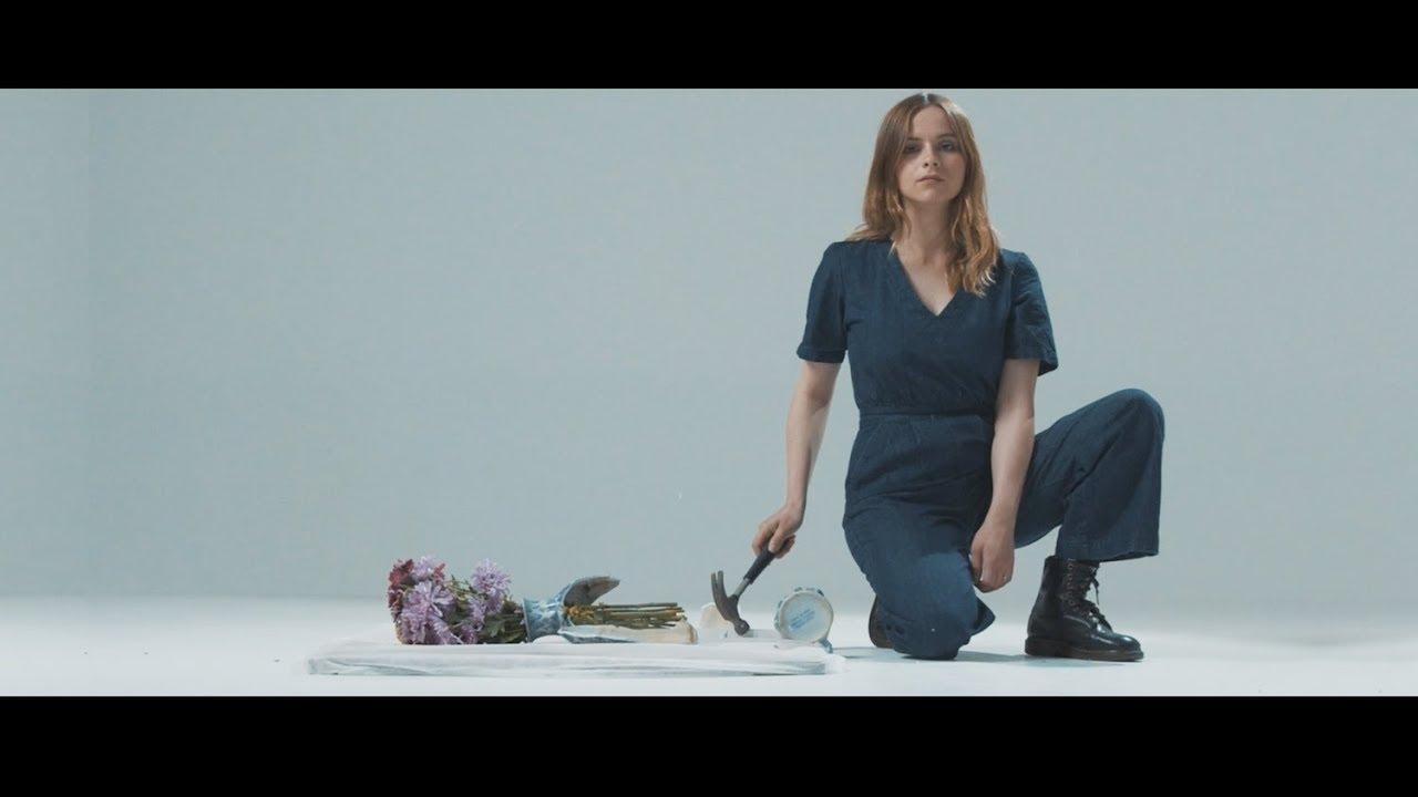 "Gabrielle Aplin - ""Kintsugi""のMVを公開 新譜「Dear Happy」2020年1月17日発売予定 thm Music info Clip"