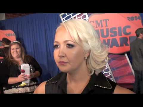 RaeLynn, Meghan Linsey, Dee Jay Silver & More at CMT Awards Red Carpet