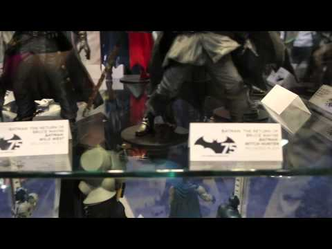 75 years of Batman-Figures Case @ Wondercon