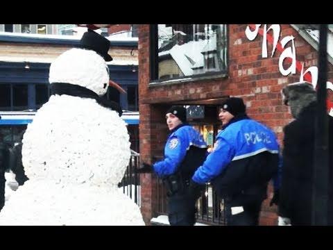 Ijesztgetős hóember