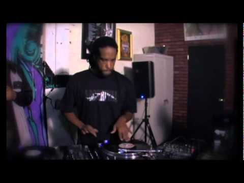 Scratch Academy DJ Sessions Stanton STR8.150 and ST.150