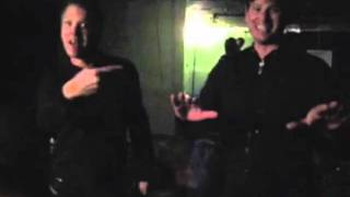 Matt Wachter and Tom DeLonge goofing around backstage to 'Private Eye'