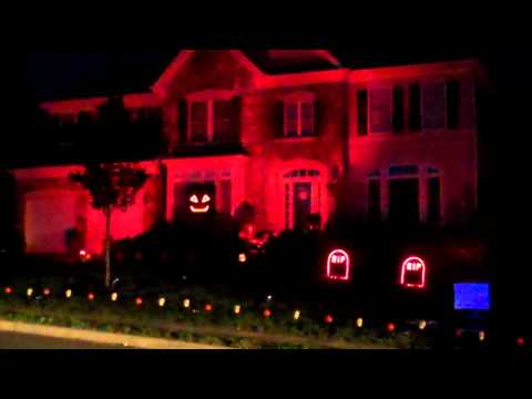 Halloween Light Show 2011 - Kidnap the Sandy Klaw