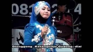 "SHOUTUL FATA "" Kehormatan "" Tomim safitri Live Glonggong"