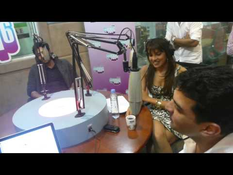 Barfi! - Ranbir and Priyanka chat live with a fan on Dubai radio city 101.6
