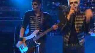 Клип My Chemical Romance - Mama (live)