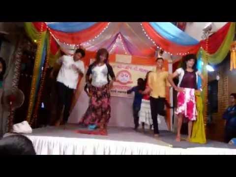 Most Funny bhojpuri dance on lollypop lagelu