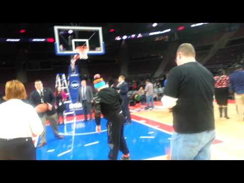 Wags free throw detroit pistons