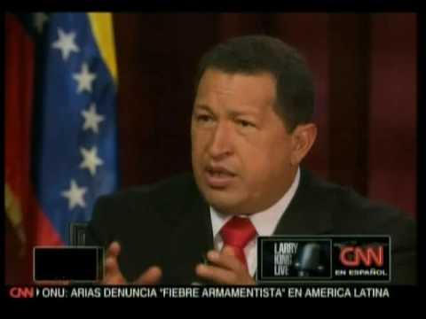 Larry King sudando en la entrevista con el Presidente Chávez 2de10