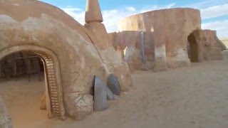 Star Wars location spotting in Tunisia movie set 1977, Tozeur Sahara