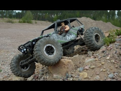 Axial Wraith Duke Nukem Off-Roading (GoPro 3)