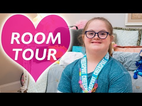 Sarah Grace's CHRISTMAS ROOM TOUR!!