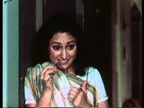 Uphaar - Idhar Aao - Jaya Bhaduri & Swarup Dutt - Bollywood Romantic Scenes thumbnail