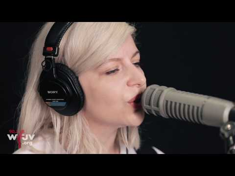 "Alvvays - ""In Undertow"" (Live at WFUV)"