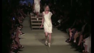 5 Models trip and fall during Givenchy Spring/Summer 2016 RTW fashion show