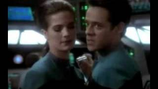 No sleep tonight Julian/Jadzia