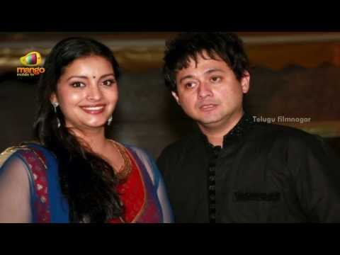 Pawan Kalyan's Wife Renu Desai At Mangalashtak Movie Music Launch video