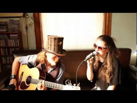 Hilary Thavis&Gaia Groove - Slow Down ( JB Lenoir )