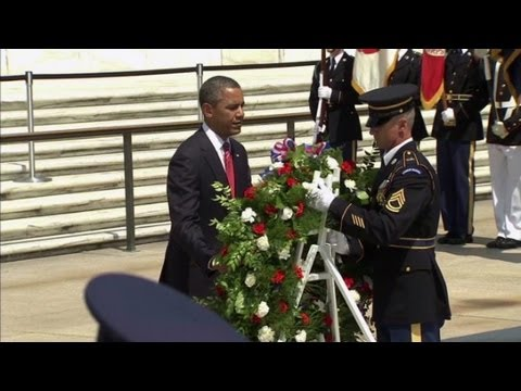 Obama marks Memorial Day at Tomb of the Unknowns