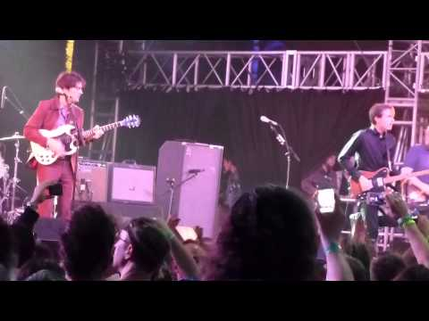 Franz Ferdinand - Take Me Out LIVE @ COACHELLA 2013