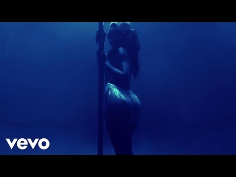 Rihanna - Pour It Up (explicit) video