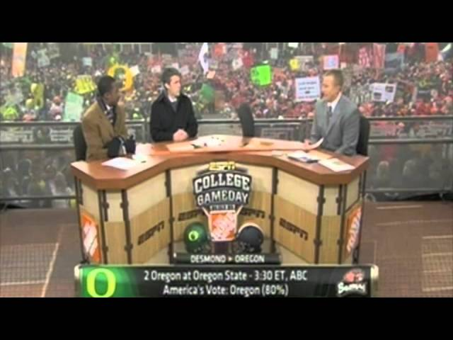 Lee Corso puts on the Duck head for the Civil War 12-04-10