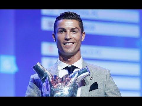 Роналду лучший игрок. Месси про Роналду и награду. Пике про Неймара. Награда Тотти