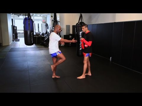 How to Knee Strike in Kickboxing | Muay Thai Image 1