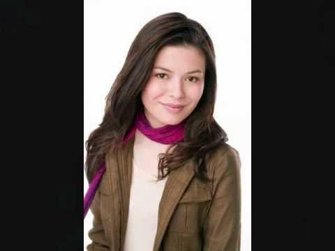 Miranda Cosgrove Hot pictures