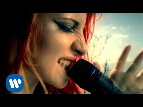 Paramore: crushcrushcrush [OFFICIAL VIDEO]