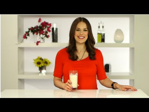 How to Make Your Own Almond Milk | FitSugar
