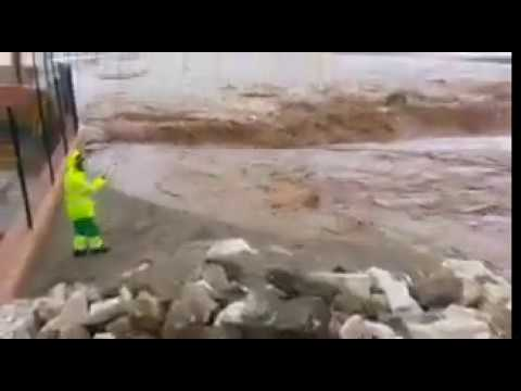 Flash flooding and extreme stormwater runoff in Malaga, Spain this afternoon!