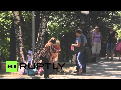 Ukraine: Makeevka residents flee to Russia after first shelling hits town