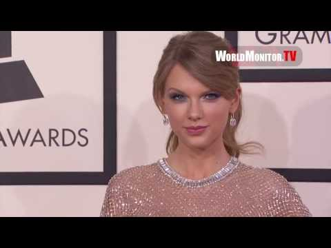 Taylor Swift arrives at 56th Annual GRAMMY Awards Redcarpet