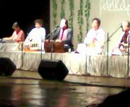 Pankaj Udhas Live In Concert - Chandi Jaisa Rang Hai Tera video