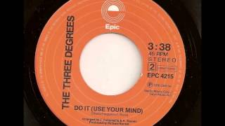 Watch Three Degrees Do It (use Your Mind) video