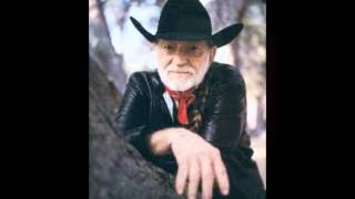 Watch Willie Nelson There Goes A Man video
