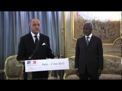 Remise des insignes de la Légion d'Honneur à Kofi Annan (02.05.13)