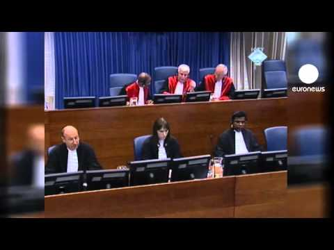 Angry exchangeslead to Mladic'sremoval from UN court