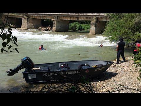 En lanchas y con buzos buscan en río Cocula a normalistas