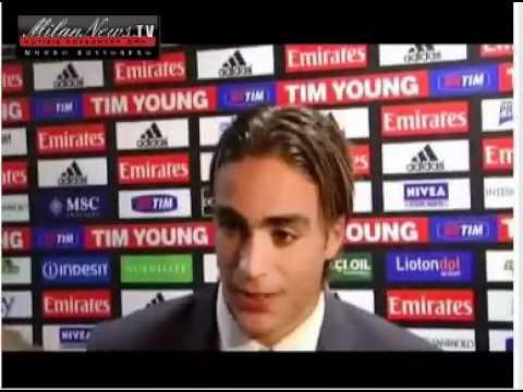 Massimiliano Allegri manda a quel paese Matri dopo il goal al Milan.