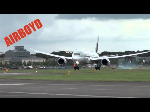 Boeing 787 Flight Demonstration - Farnborough Airshow 2012 (Monday)