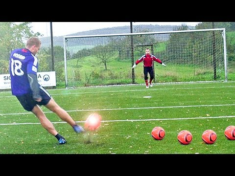 Testing CR7 Boots: Nike Mercurial Vapor IX CR Test   Free Kick Review   freekickerz